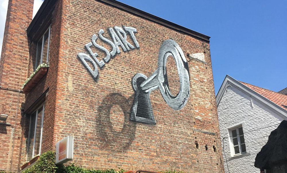 http://www.b-aero.be/Dessart-Cle-Bruxelles-Facade-Street-art.jpg